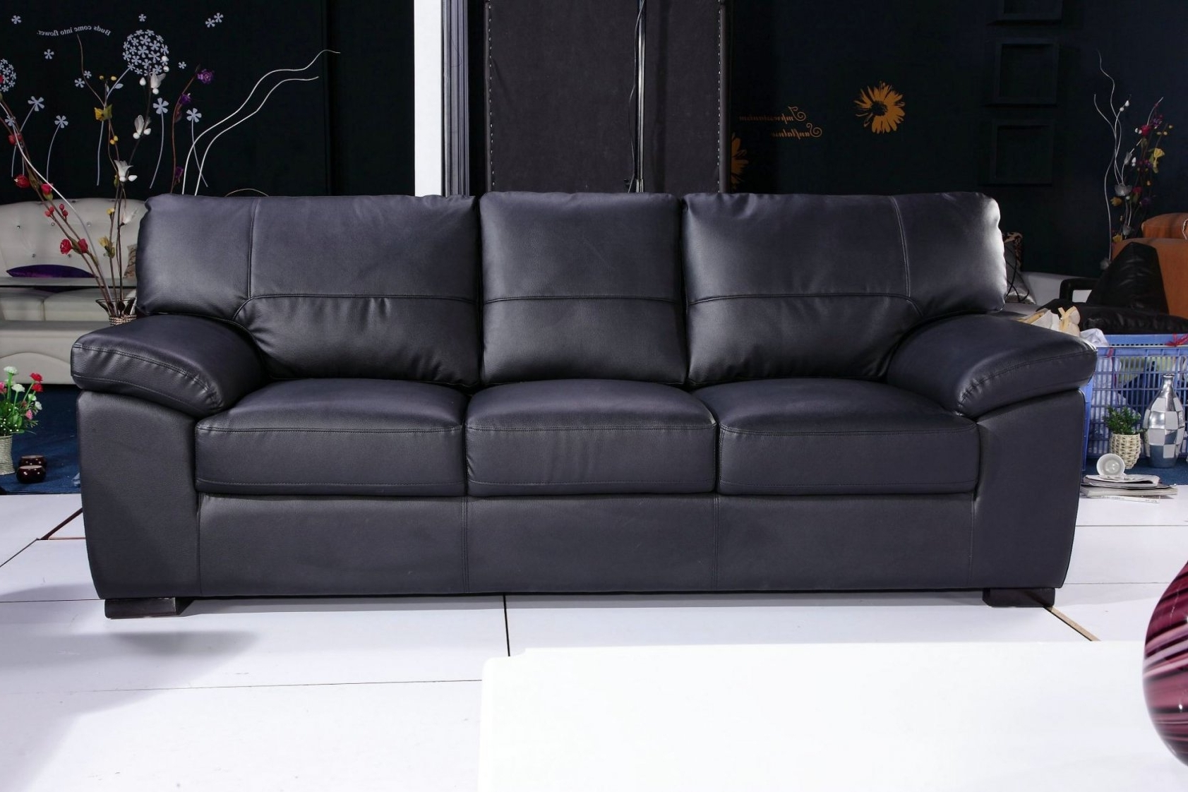 2018 3 Seater Leather Sofas Inside 3 Seater Black Leather Sofa (View 2 of 20)