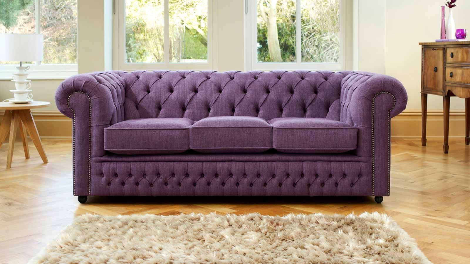 2018 Chesterfield Sofas And Chairs Intended For Furniture: Purple Fabric Chesterfield Sofa With Wooden Chest (View 1 of 20)