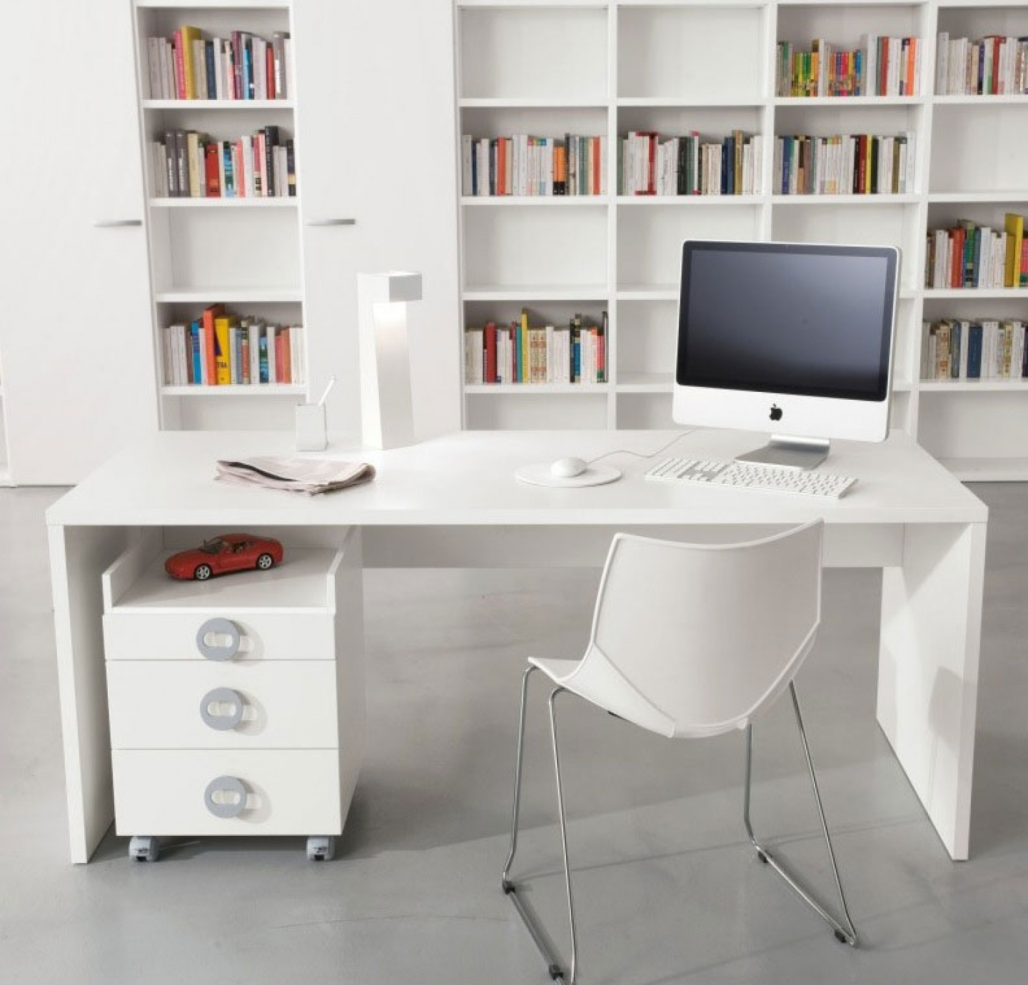 2018 Funiture: Modern Computer Desks Ideas With Freestanding White Intended For Modern Computer Desks (View 7 of 20)