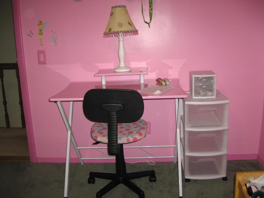 2018 Pink Computer Desks Pertaining To Best Pink Computer Desk: 15 Appealing Pink Computer Desk Picture Ideas (View 1 of 20)
