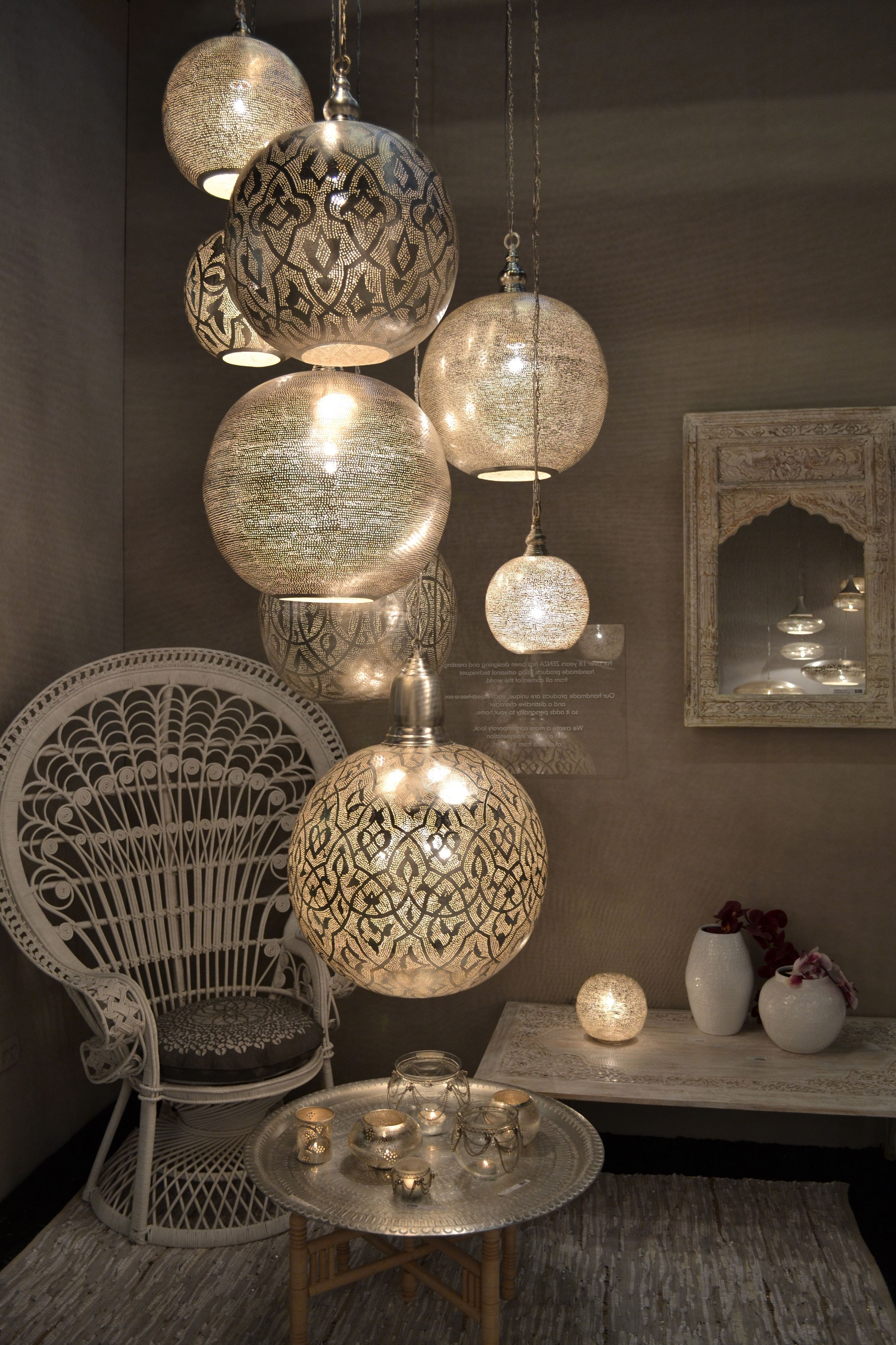 2019 15+ Stairway Lighting Ideas For Modern And Contemporary Interiors Inside Stairway Chandelier (View 13 of 20)