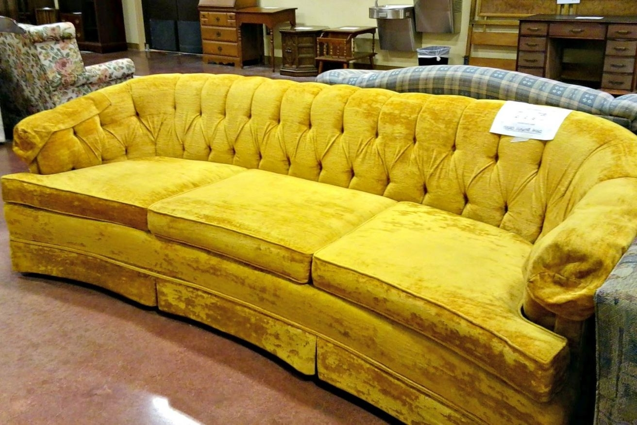 Affordable Tufted Sofas Intended For Popular Cheap Tufted Couch (View 2 of 20)