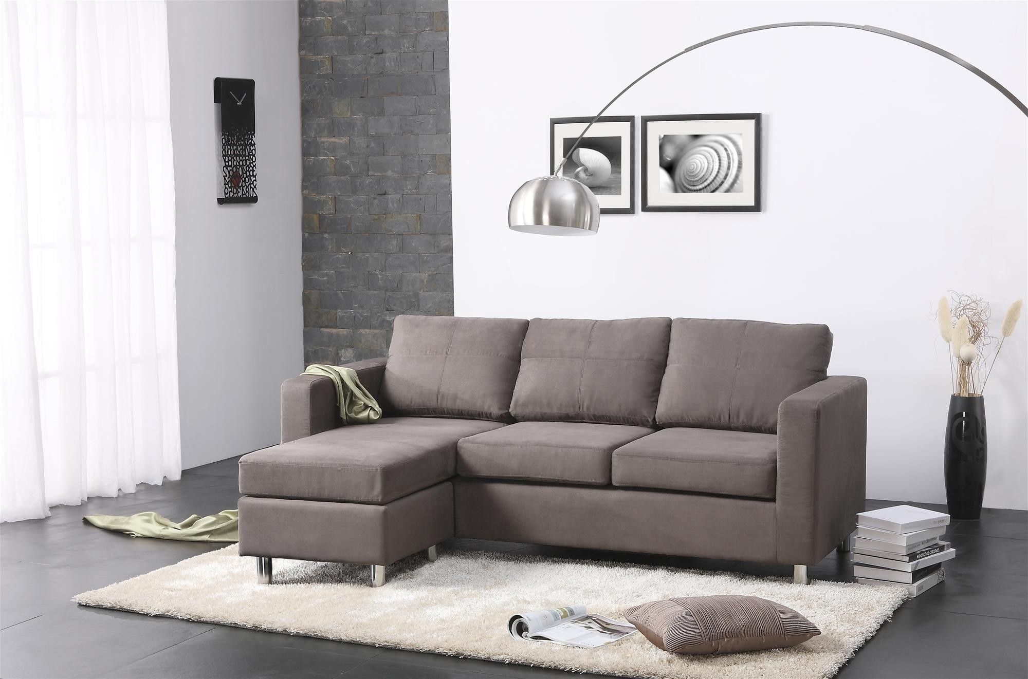 Amazing Modern Small Spaces Living Room Decors With Grey Sectional Regarding Widely Used Modern Sectional Sofas For Small Spaces (View 4 of 20)