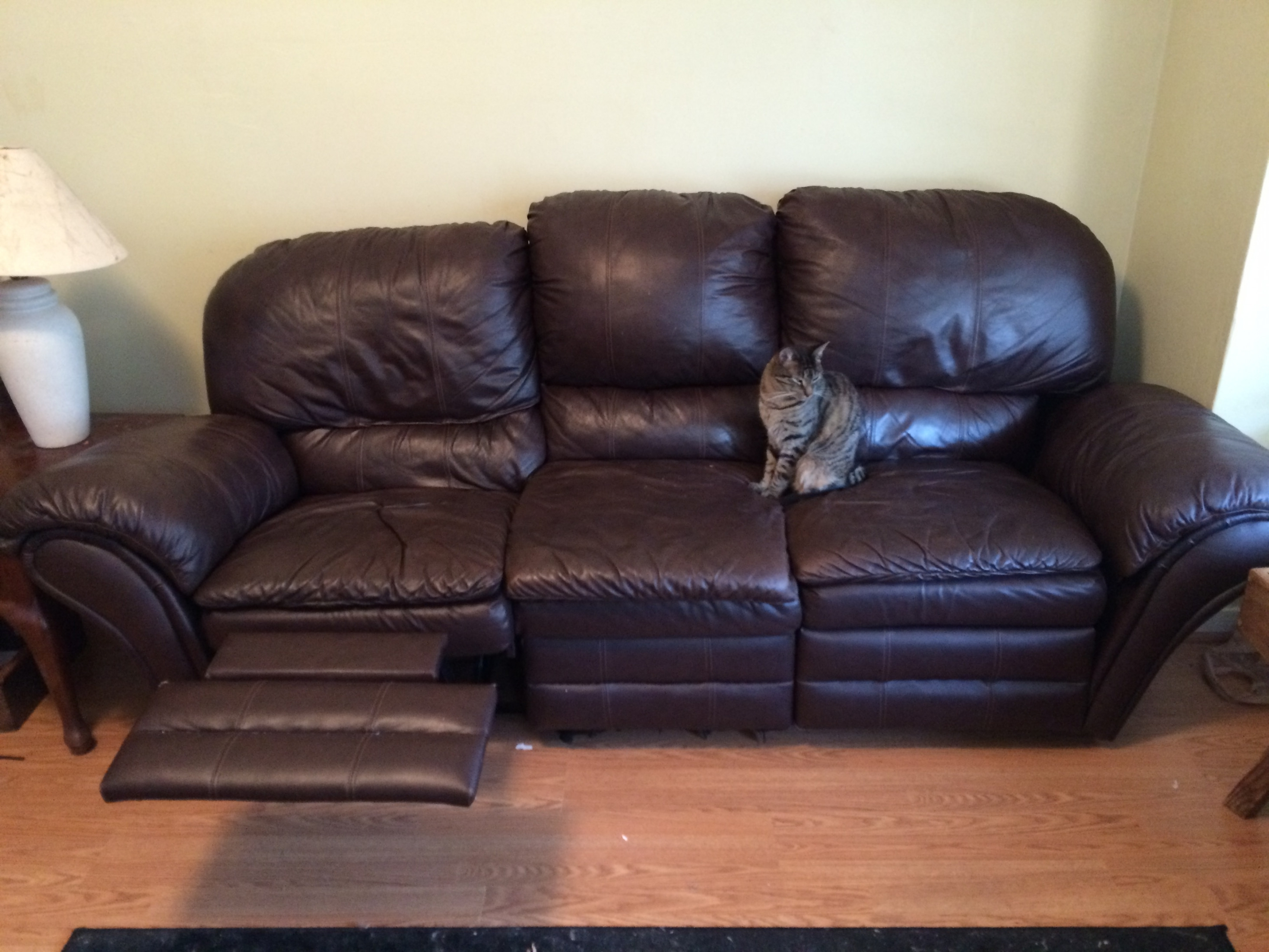 Featured Photo of Craigslist Leather Sofas