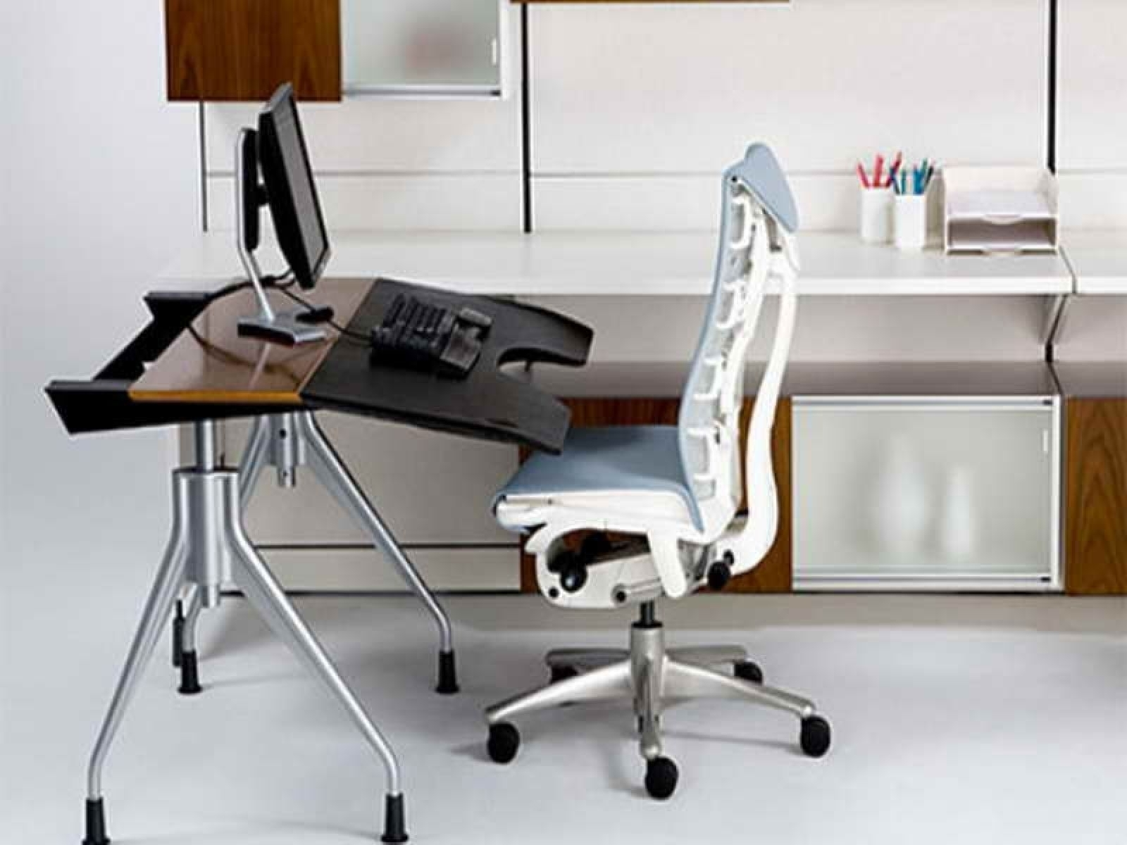 Best And Newest Computer Desks And Chairs With Regard To Ergonomic Computer Desk And Chair (View 15 of 20)