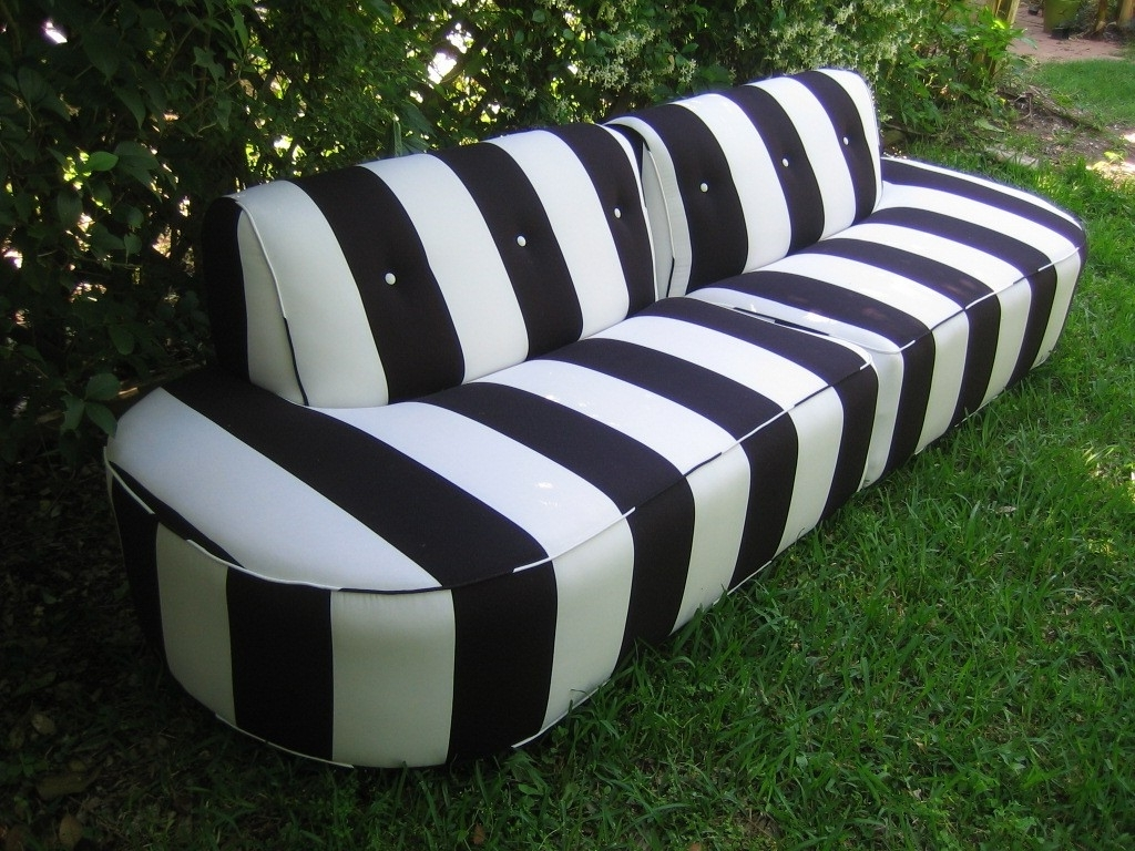 Black And White Inside Striped Sofas And Chairs (View 11 of 20)