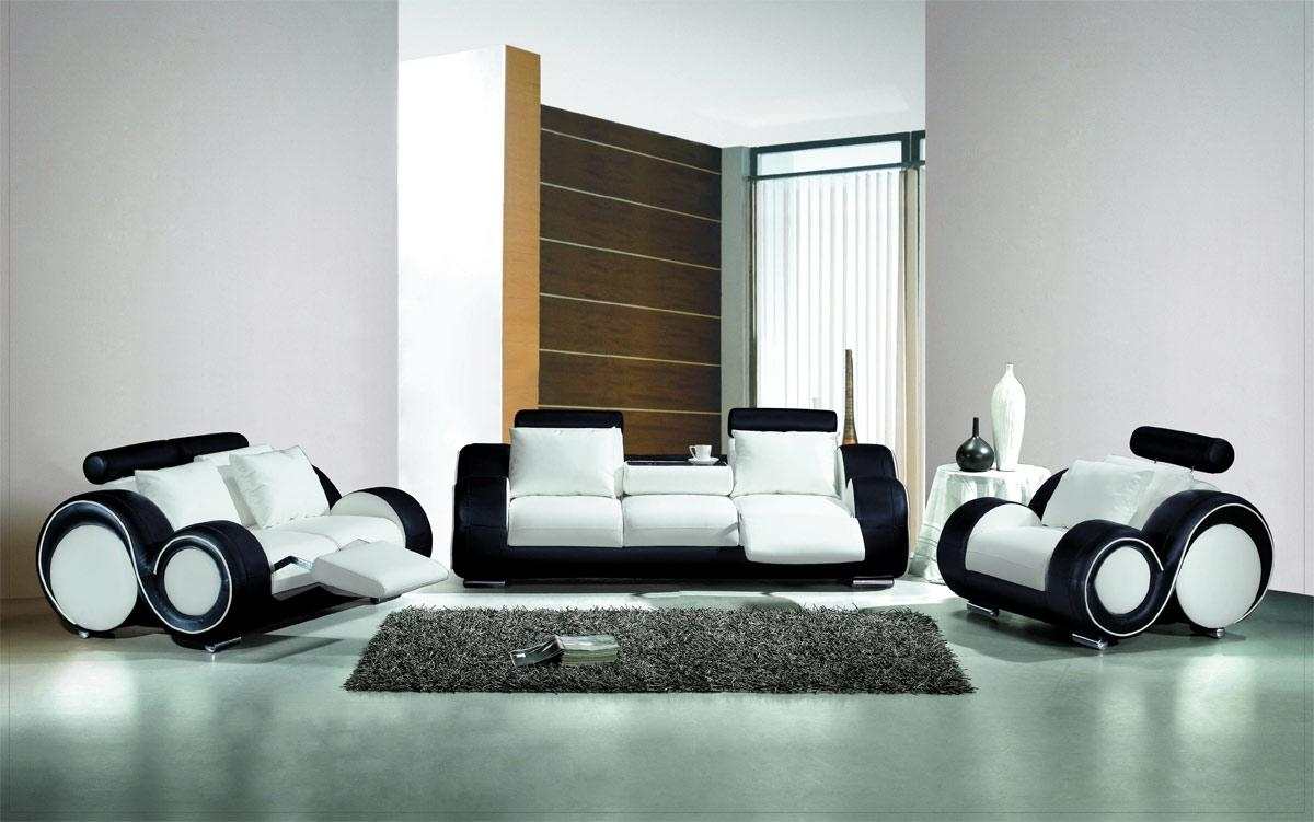 Black And White Sofas Pertaining To Most Current White And Black Couch, Olympian Sofas Pesaro White Black Leather (View 4 of 20)