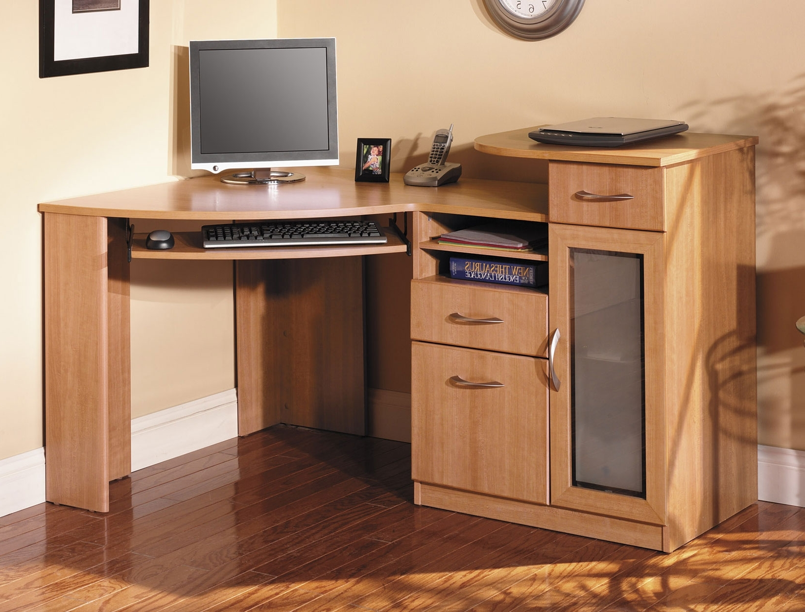 Brown Computer Desks For Widely Used Funiture: Corner Office Desk Ideas Using Corner Light Brown Wooden (View 4 of 20)