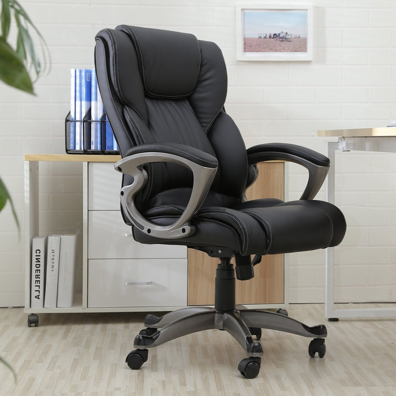 Chairs : Heavy Duty Leather Office Rolling Computer Chair Black Throughout Latest Large Executive Office Chairs (View 5 of 20)