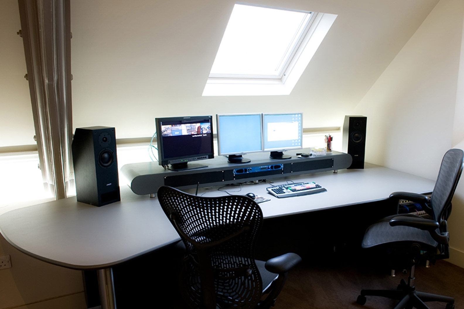 Computer Editing Desks With Most Popular Tulett Design » Editing Desks (View 6 of 20)