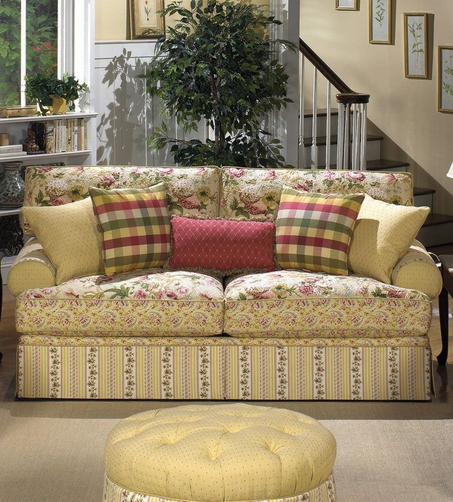 Cottage Style Sofas And Chairs Inside Most Current Cottage Floral Sofa (View 11 of 20)