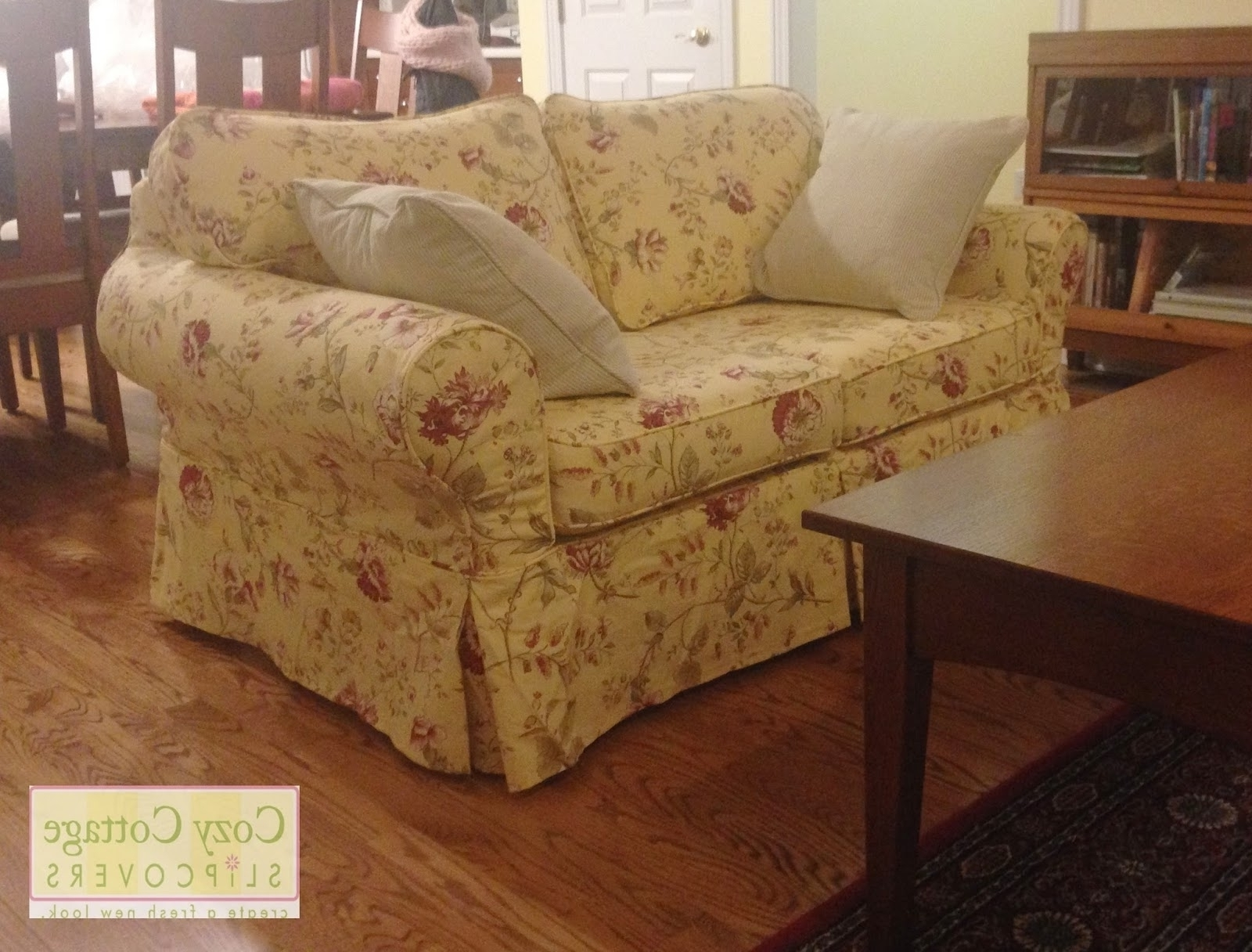 Country Cottage Sofas And Chairs Pertaining To Fashionable Country Cottage Sofas And Chairs Cottag Country Cottage Sofas And (View 7 of 20)