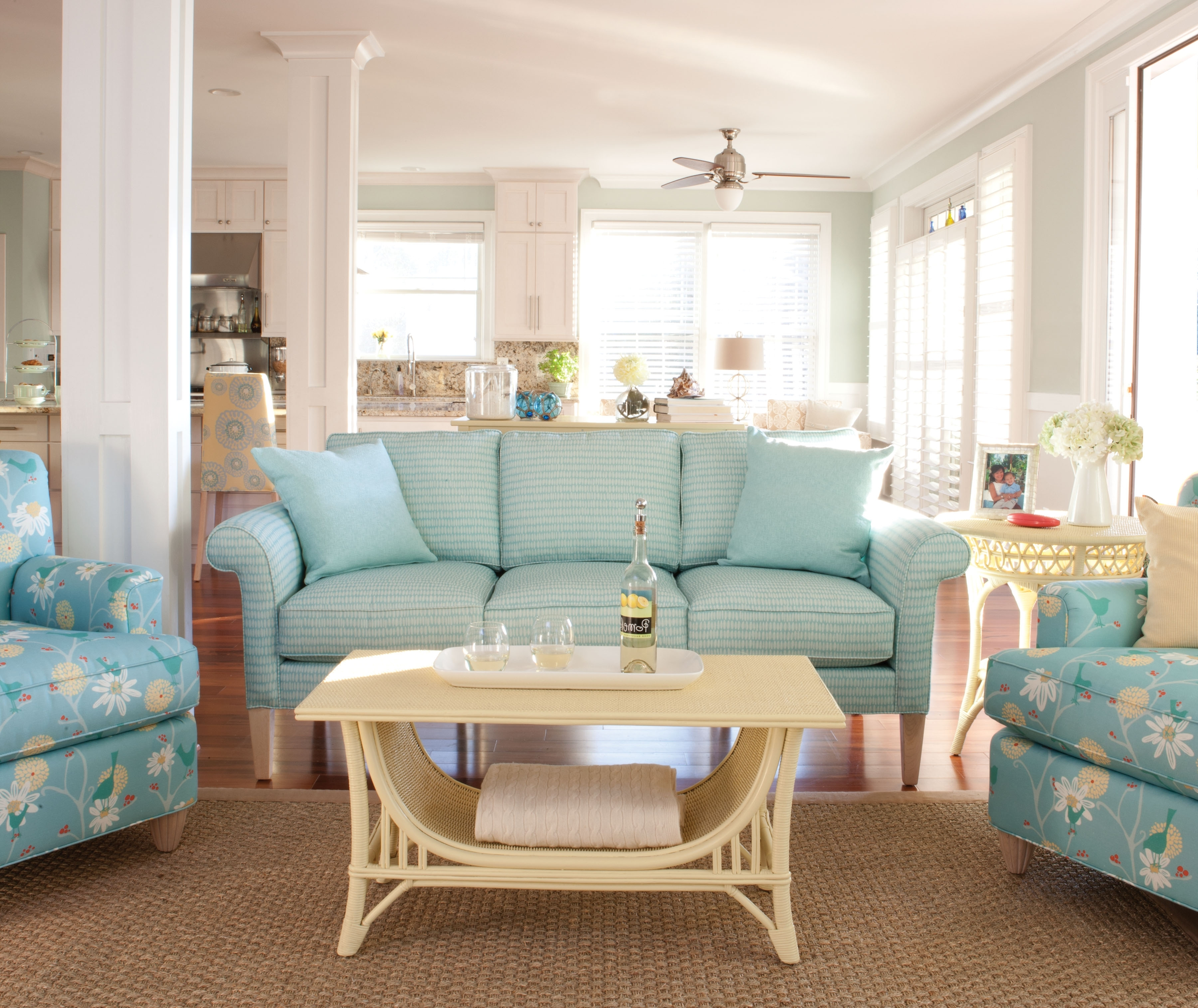 Country Cottage Sofas And Chairs Pertaining To Fashionable Mix And Match Patterns In Your Interior – Upholstered On Furniture (View 7 of 20)
