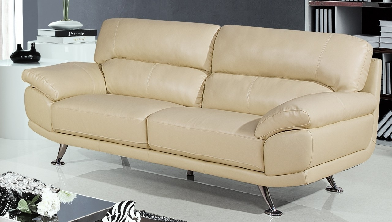 Cream Colored Sofas Intended For Fashionable Cream Colored Sofa (View 4 of 20)