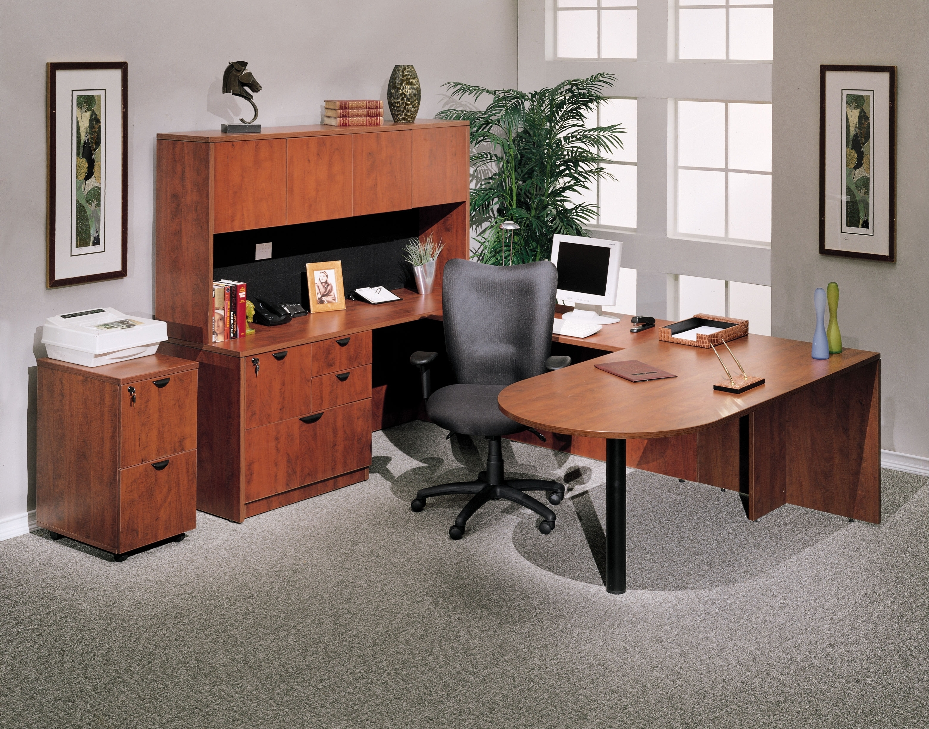 Current Boss U Shaped Computer Desk With A Peninsula Pertaining To U Shaped Computer Desks (View 14 of 20)