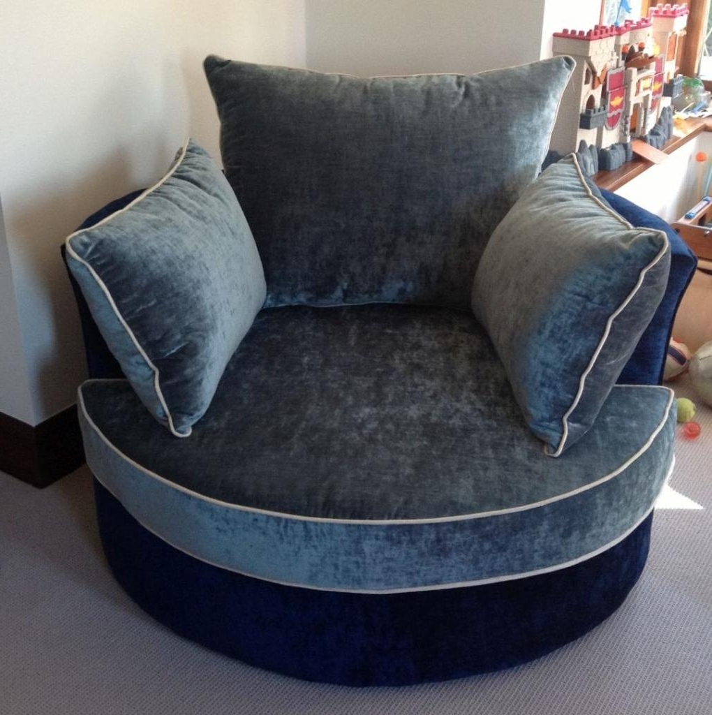 Current Surprising Round Swivel Sofa Chair 35 And Oversized Large Cuddle With Regard To Snuggle Sofas (View 8 of 20)