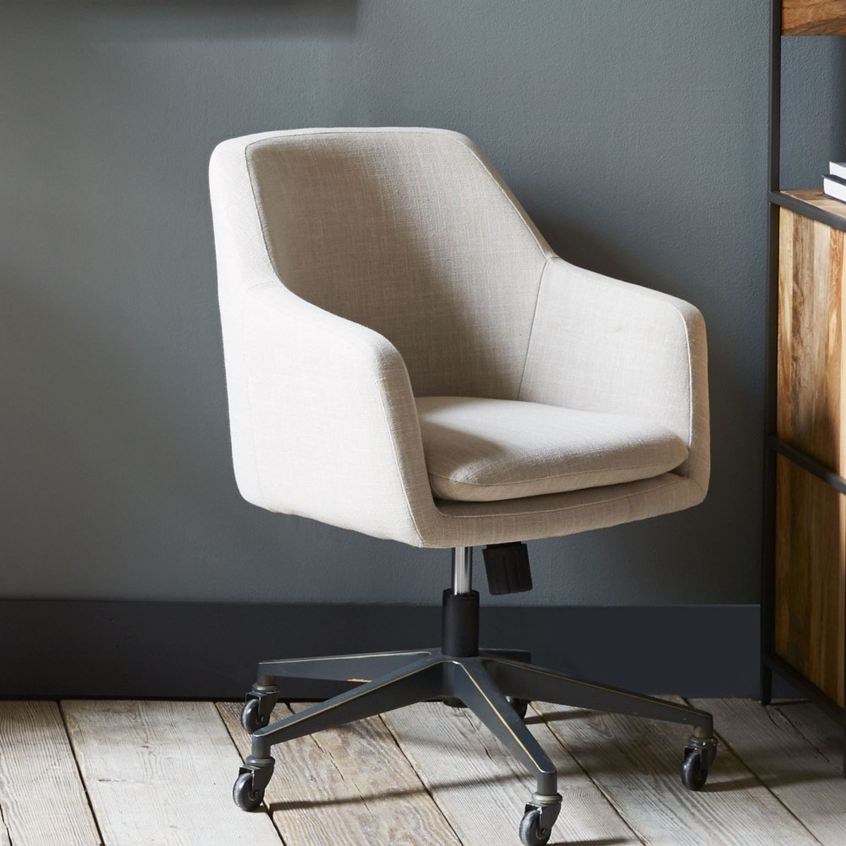 Current Upholstered Executive Office Chairs With Upholstered Office Chairs For Desk Chair On Wheel Varied And (View 2 of 20)