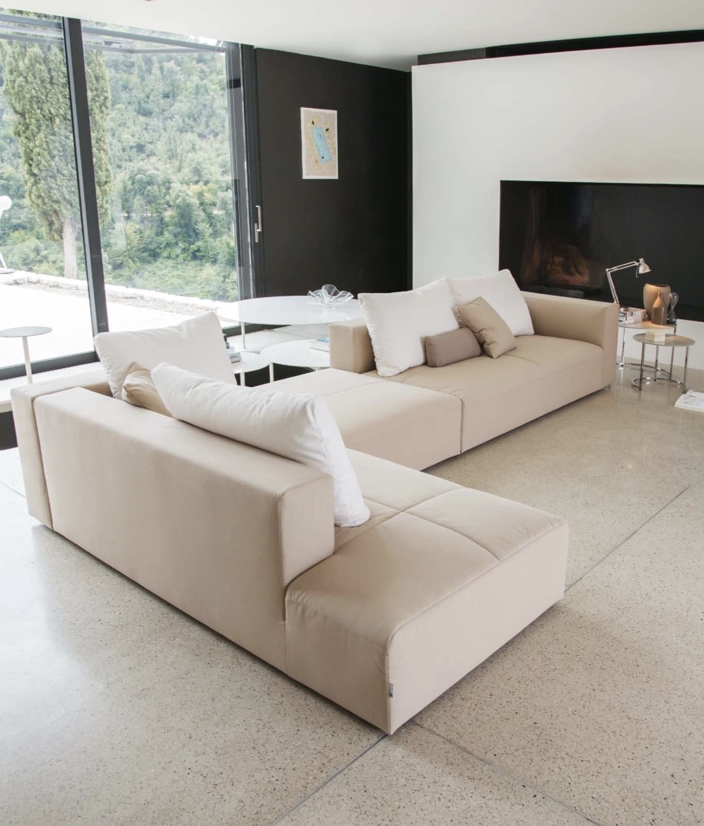 Cute Modern Sectional Sofas With Italian Sectional Sofas Intended For Latest Modern Sectional Sofas (View 14 of 20)