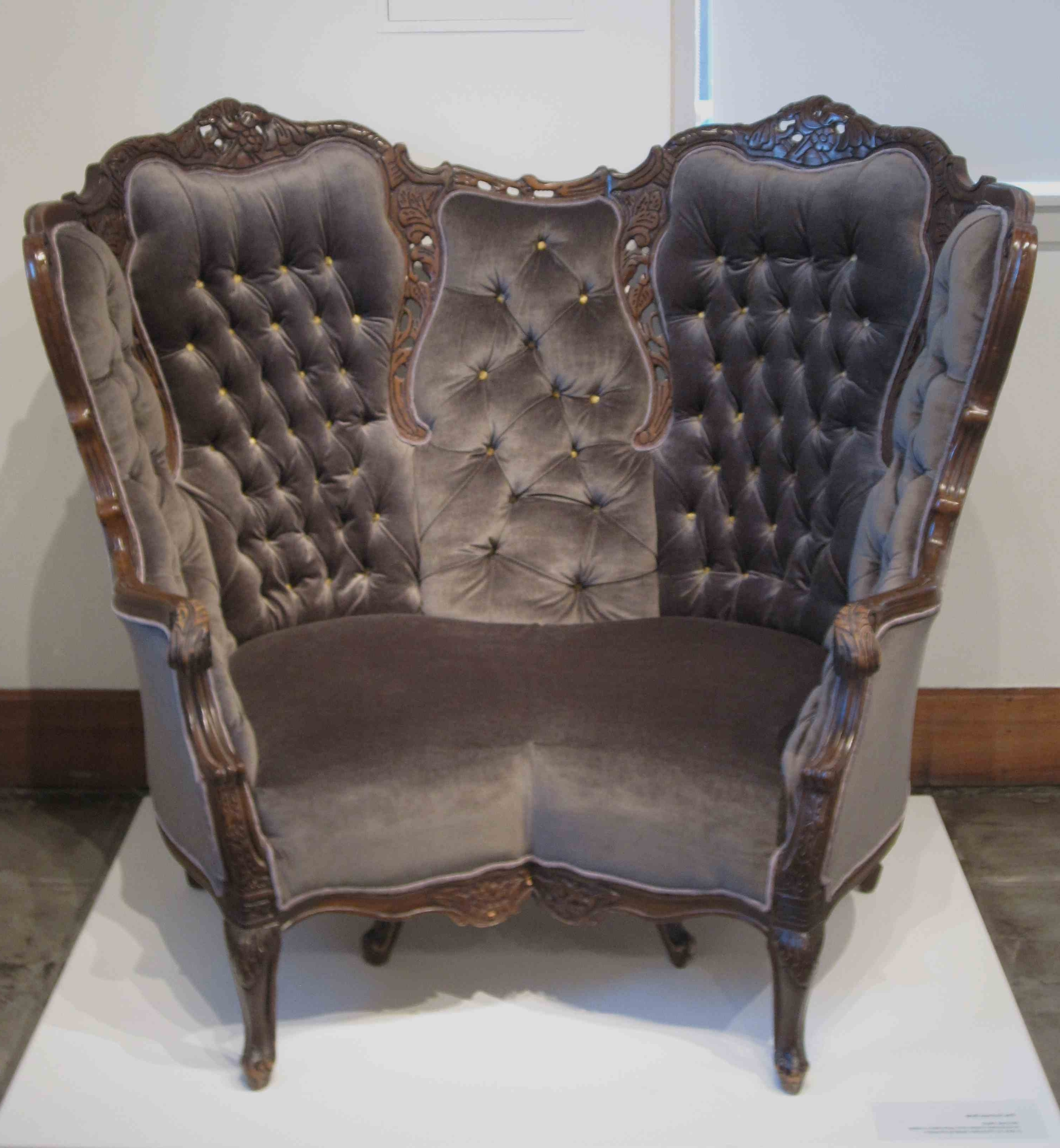 Dark Color Victorian Leather Chair With High Back And Arm Plus Regarding Famous Victorian Leather Sofas (View 1 of 20)