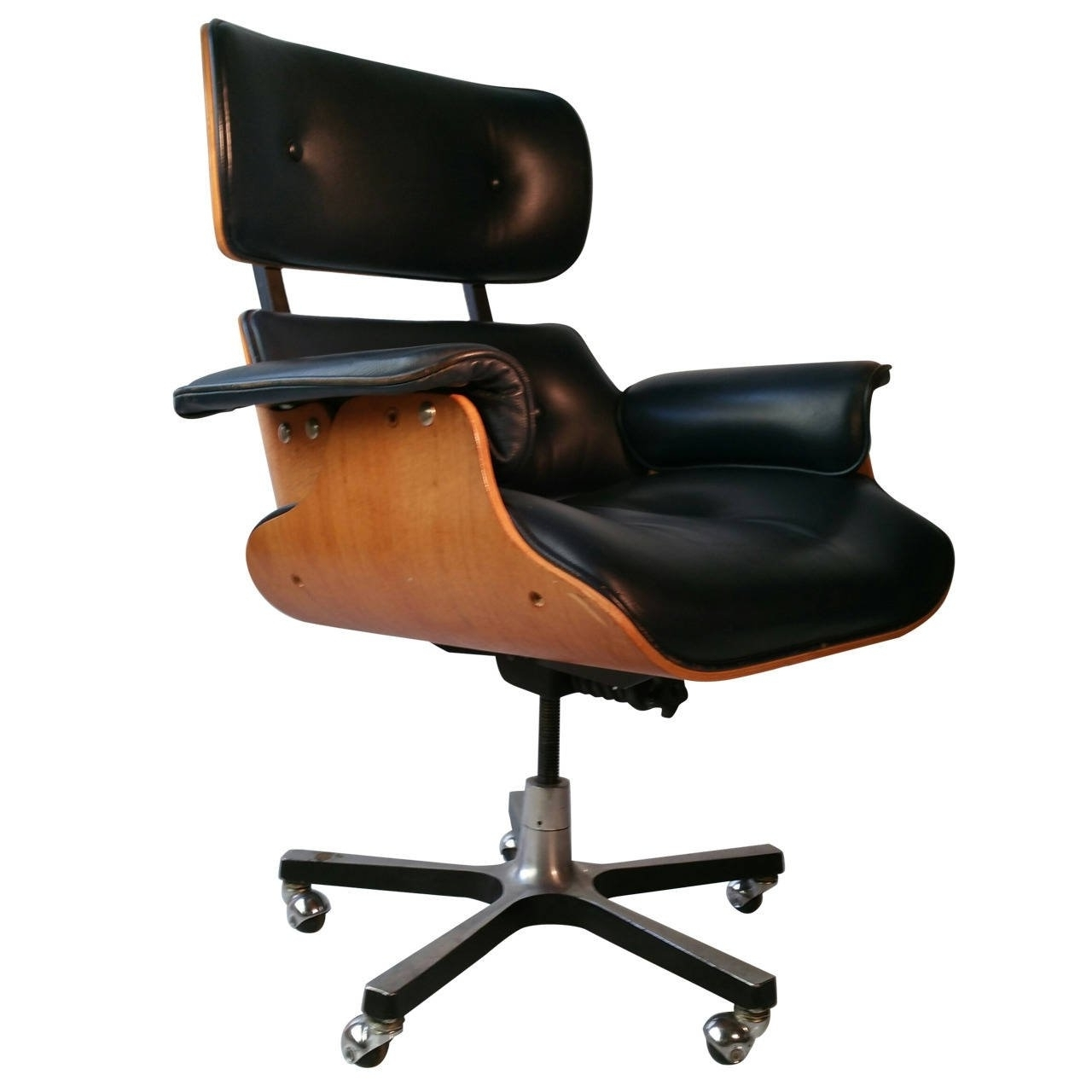 Desks Pertaining To Well Known Tan Brown Mid Back Executive Office Chairs (View 5 of 20)