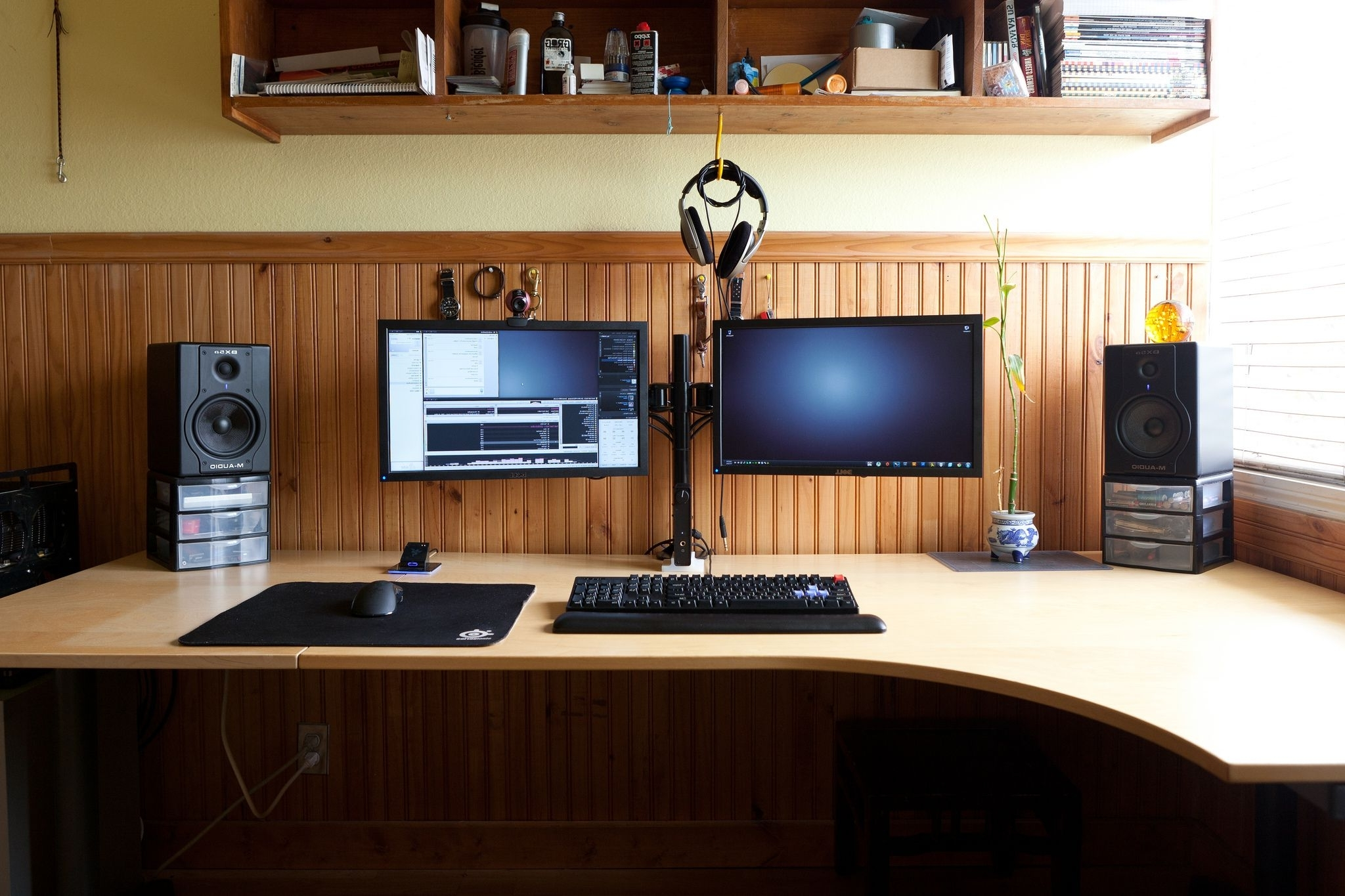Dual Monitor #windows #workstation. #megadesk (Gallery 12 of 20)