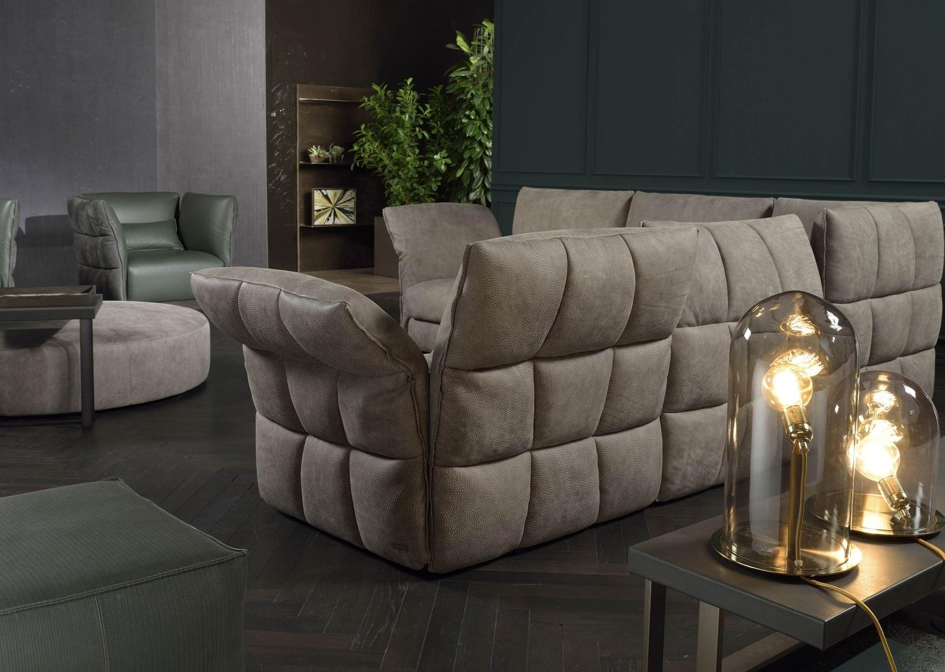 Eva Due Modern Sectional Sofa (View 13 of 20)