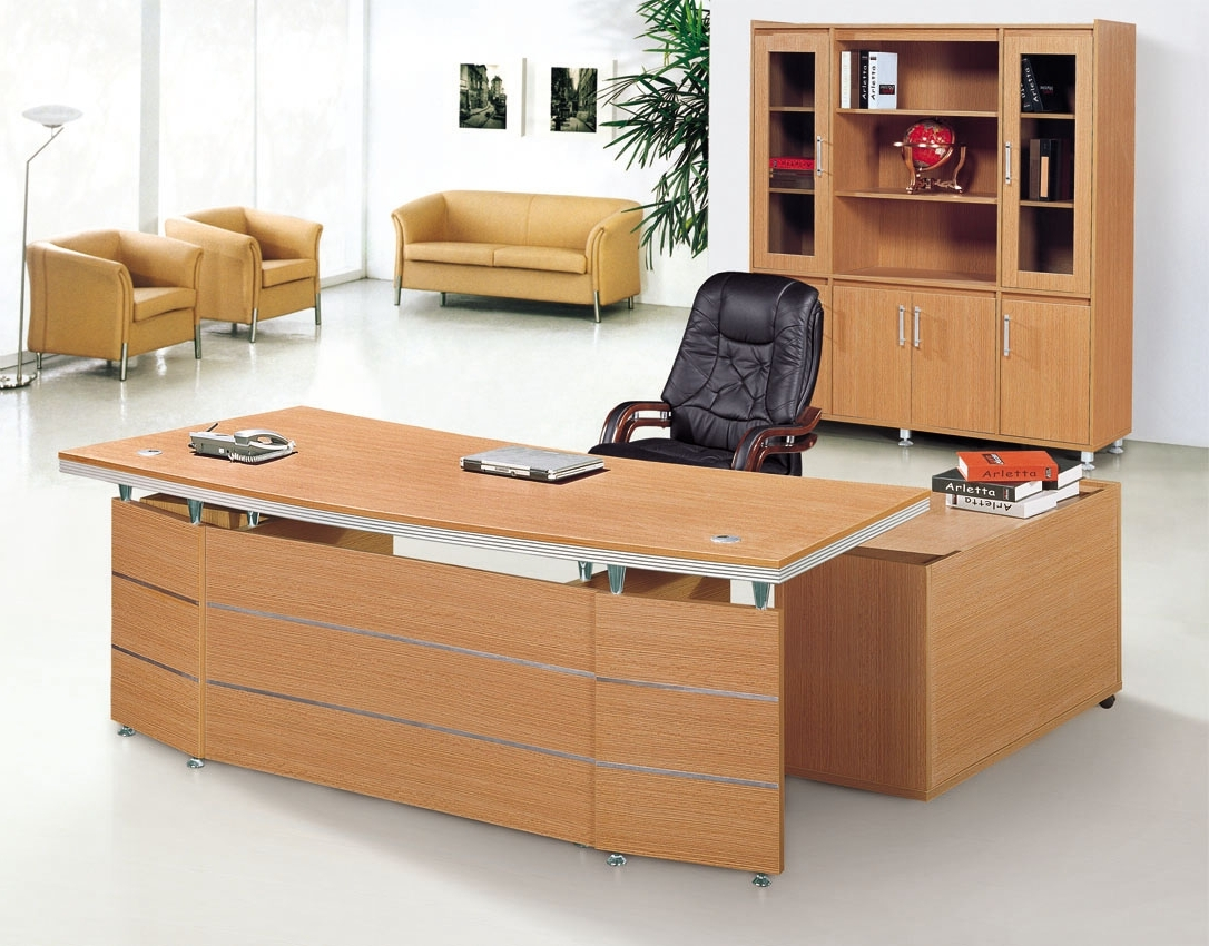 Executive Office Table And Chairs Throughout Well Known Office: Bright White Classical Computer Set And Stainless Arch (View 15 of 20)