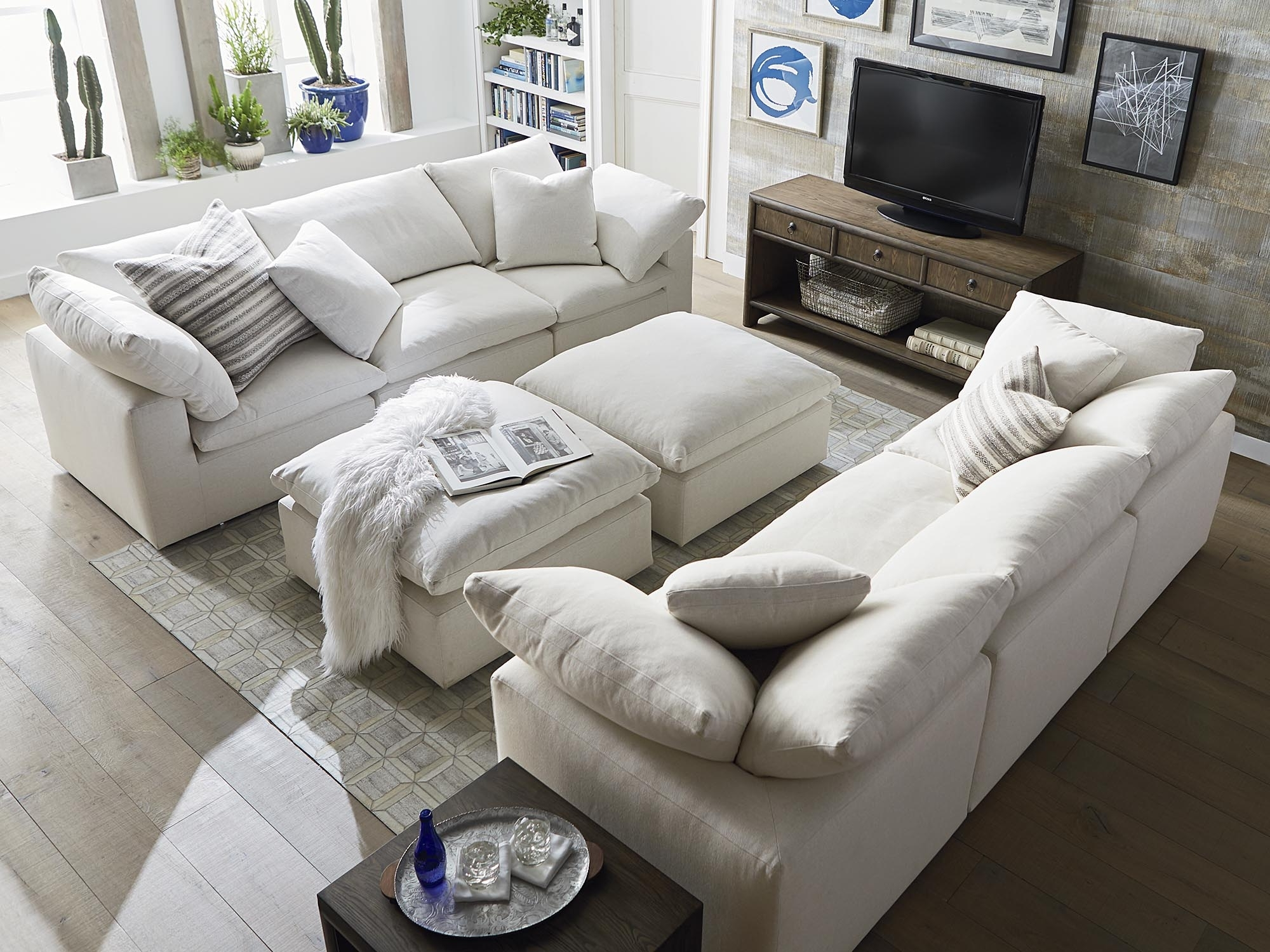 Fabric Sofas And Couchesbassett Home Furnishings With Regard To Most Up To Date Scarborough Sectional Sofas (View 6 of 20)