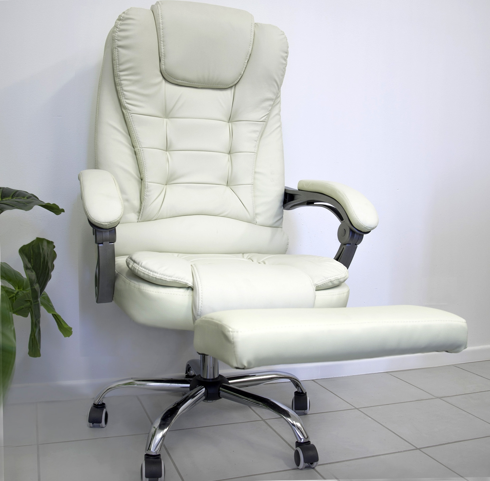 Famous Apex Deluxe Executive Reclining Office Computer Chair With Foot Rest Intended For Executive Reclining Office Chairs (View 9 of 20)