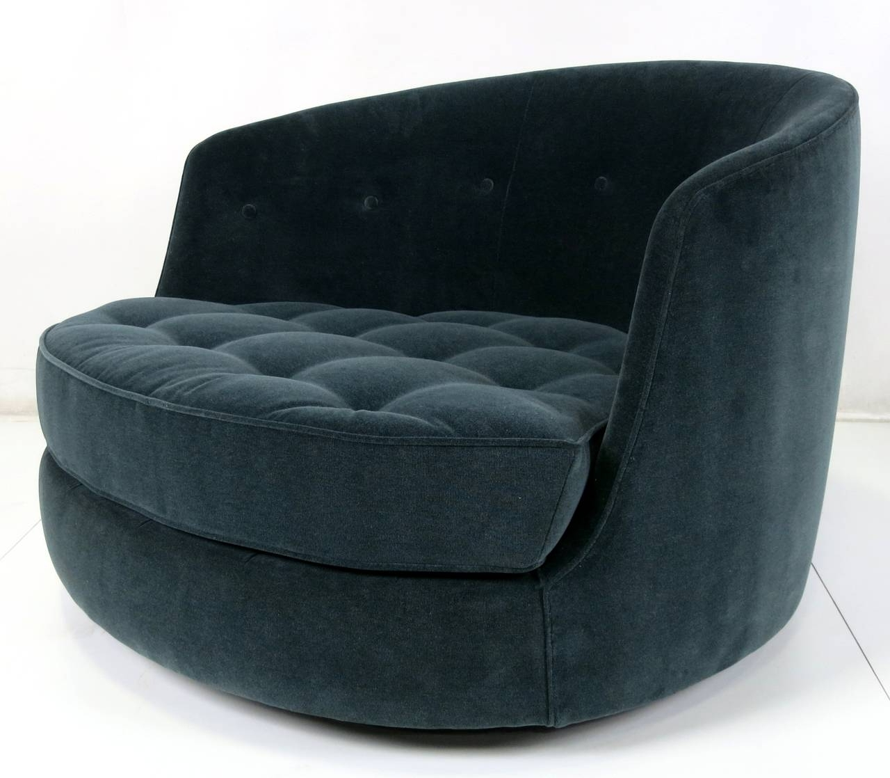 Famous Large Swivel Lounge Chair • Lounge Chairs Ideas Regarding Spinning Sofa Chairs (View 5 of 20)