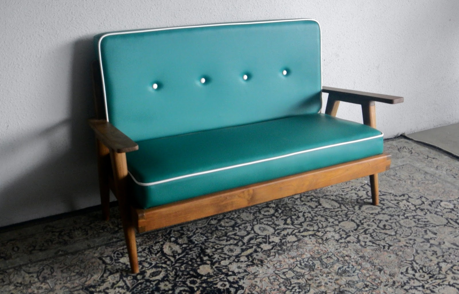 Famous Retro Sofas And Chairs Throughout Retro Sofas And Chairs (View 6 of 20)