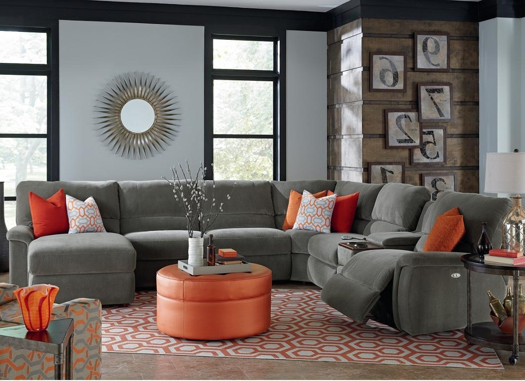 Famous Sectional Sofas With Power Recliners With Regard To Seven Piece Power Reclining Sectional Sofa With Cupholdersla Z (View 2 of 20)