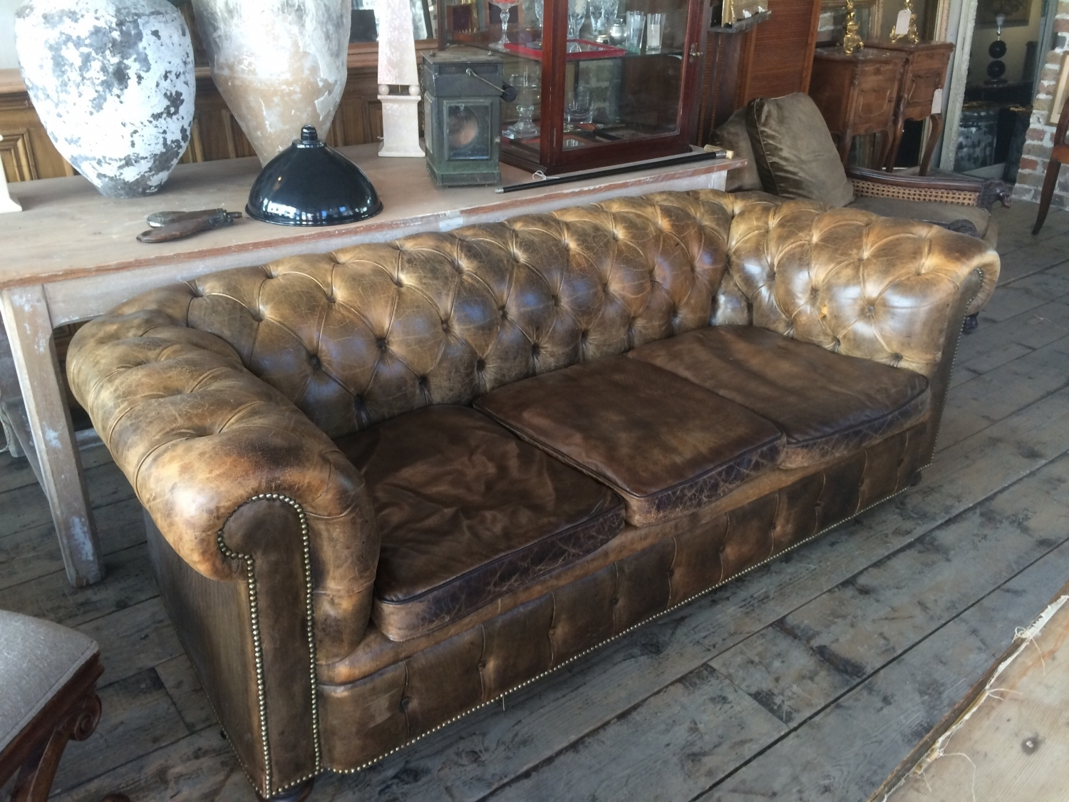 Inspirations Of Vintage Chesterfield Sofas