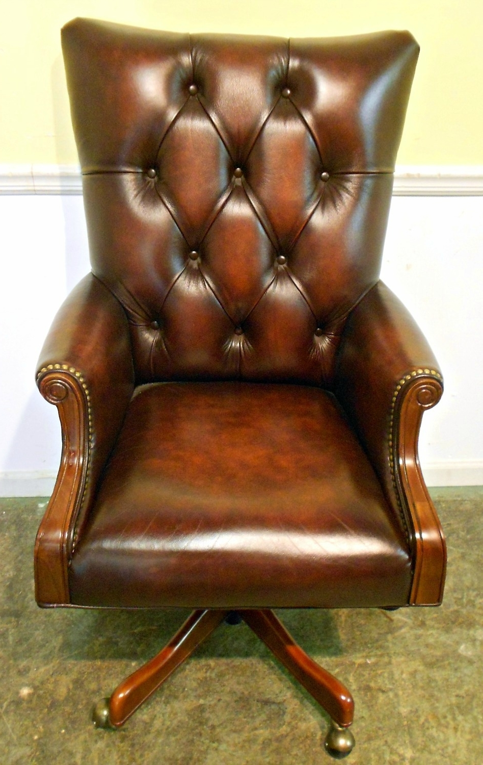 Fashionable Brown Leather Executive Office Chairs With Emejing Tufted Leather Executive Office Chair Pictures (View 16 of 20)