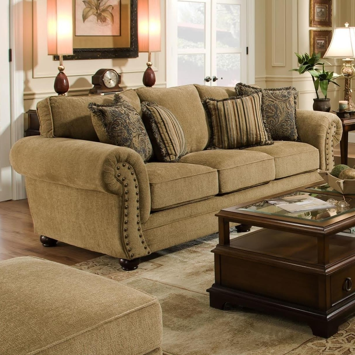 Fashionable Contemporary Living Room Sofa American Traditional Living Room With Traditional Sofas (View 7 of 20)