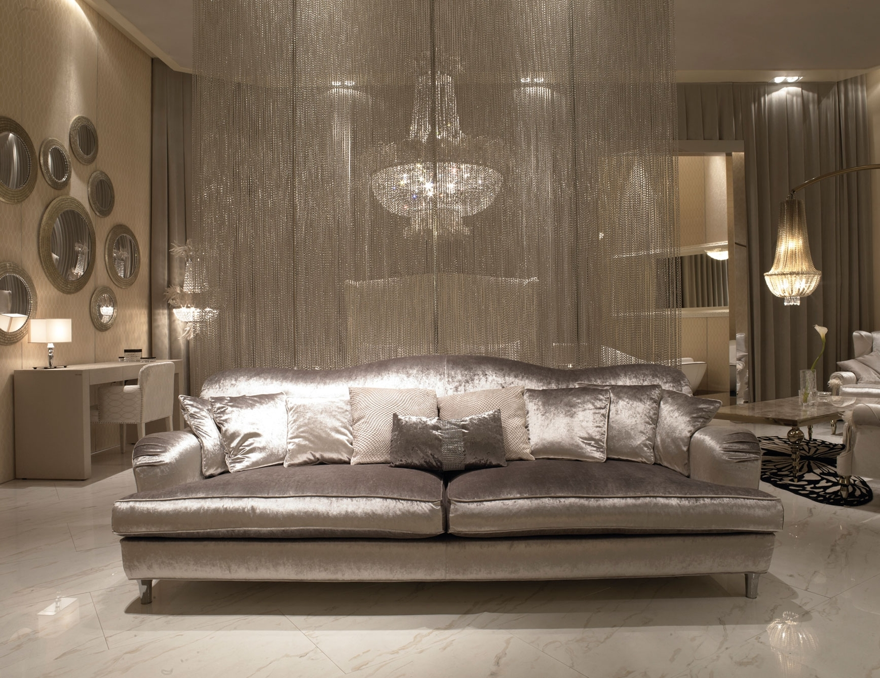 Fashionable Luxury Sofas In Nella Vetrina Visionnaire Ipe Cavalli Ginevra Luxury Italian Sofa (View 2 of 20)