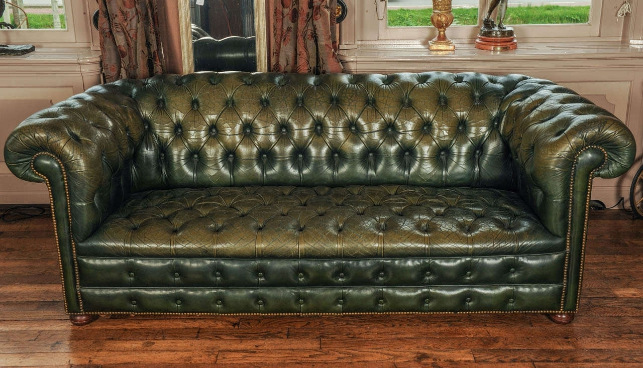 Fashionable Tufted Leather Chesterfield Sofas Pertaining To Sofa : Top Tufted Leather Chesterfield Sofa Decoration Ideas (View 17 of 20)