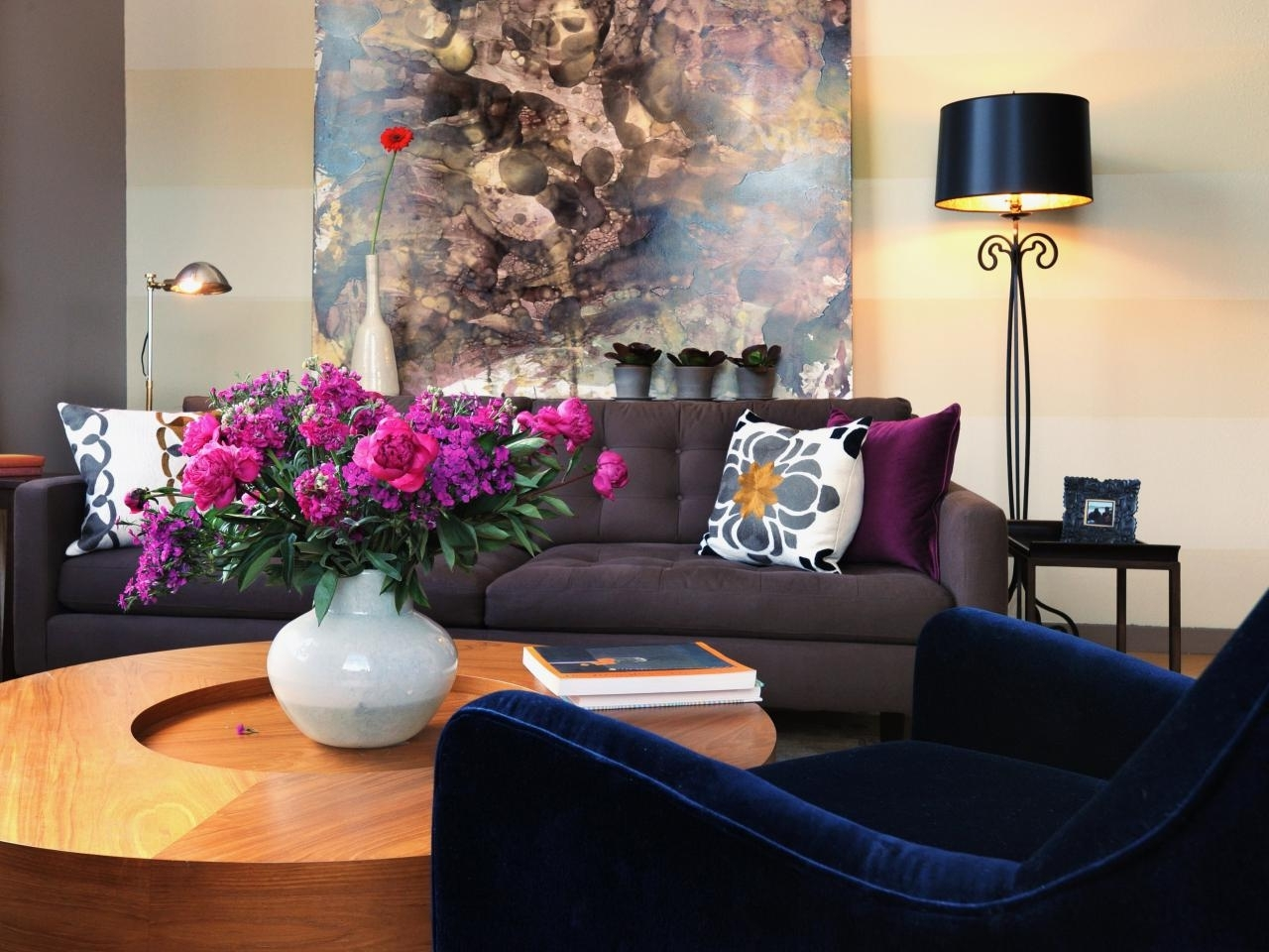 Favorite Dark Blue Sofas Intended For Different Style To Decorate Home With Blue Velvet Sofa (View 11 of 20)