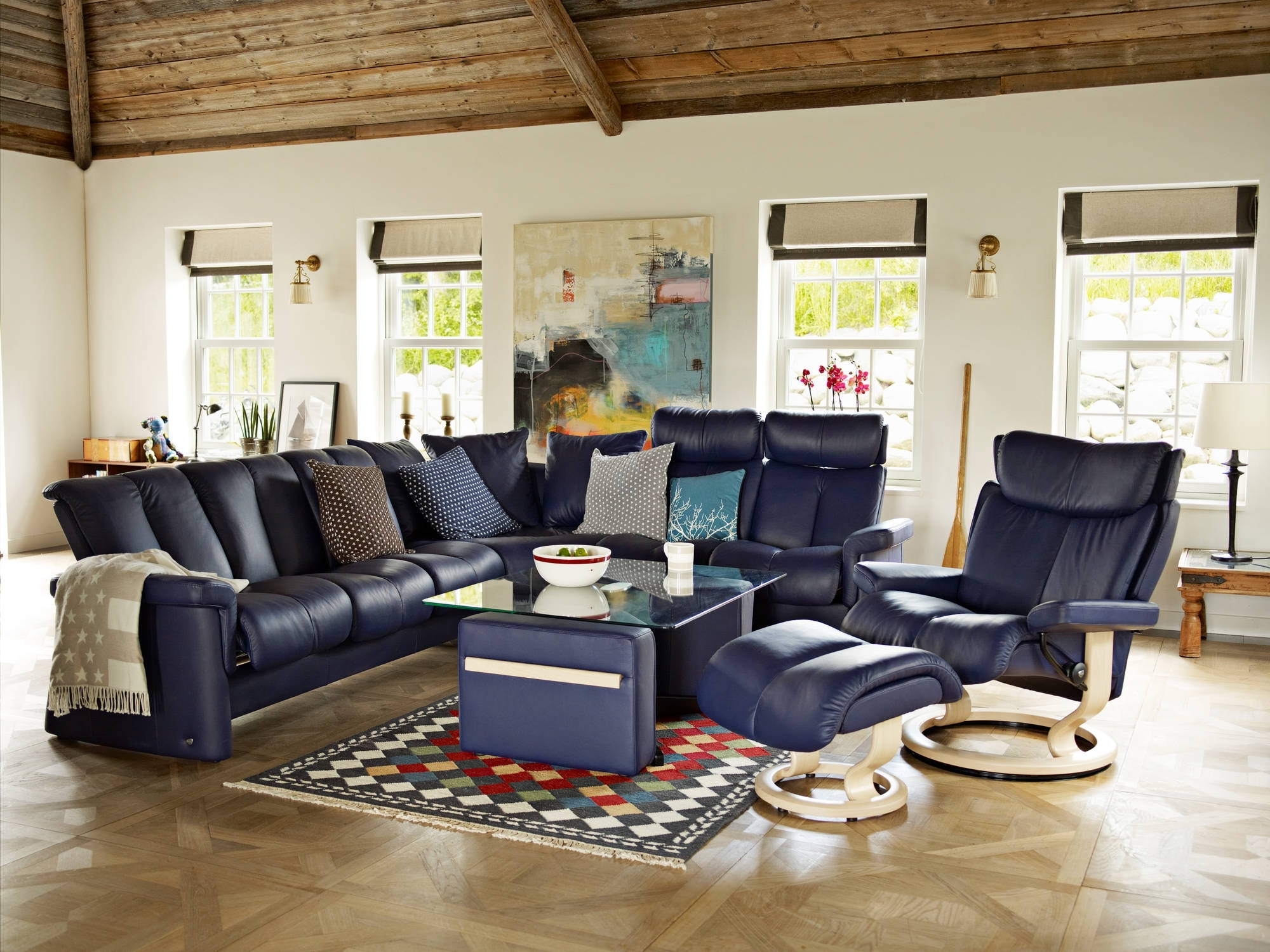 Favorite Ergonomic Sofas And Chairs For Stressless Legend Sofa In Paloma Leather (color: Indigo) And Magic (View 19 of 20)