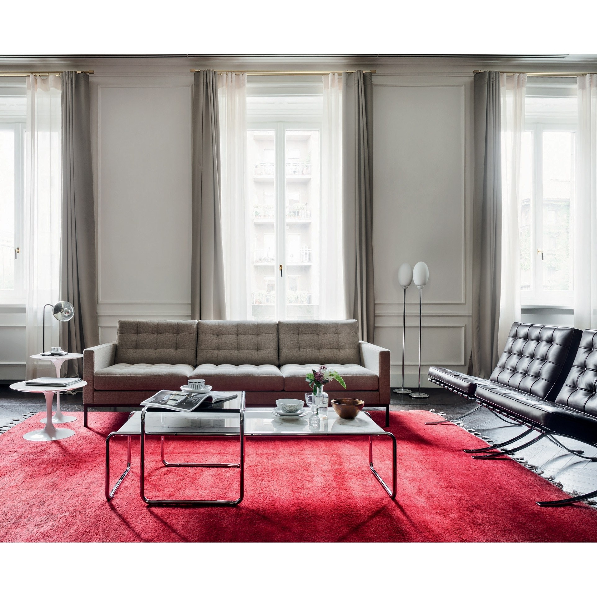 Florence Knoll 'relax' Sofa (Gallery 12 of 20)