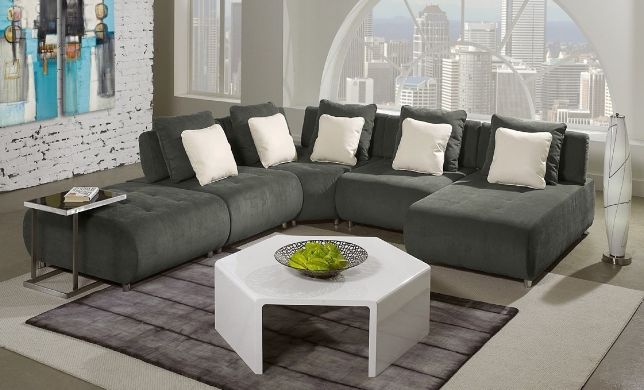 Fresh Sleek Sectional Sofa – Buildsimplehome In Recent Sleek Sectional Sofas (View 6 of 20)