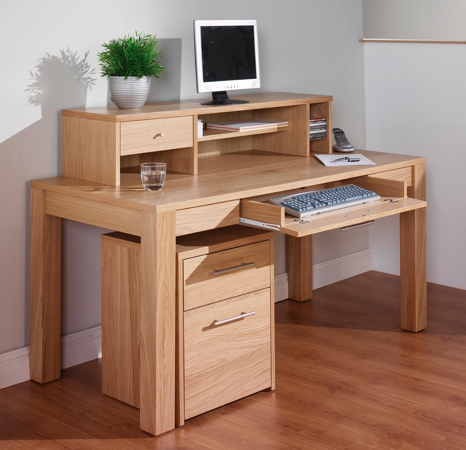Furniture Modern Narrow Computer Desk Small Wooden 2017 With Inside Trendy Computer Desks With Drawers (View 11 of 20)