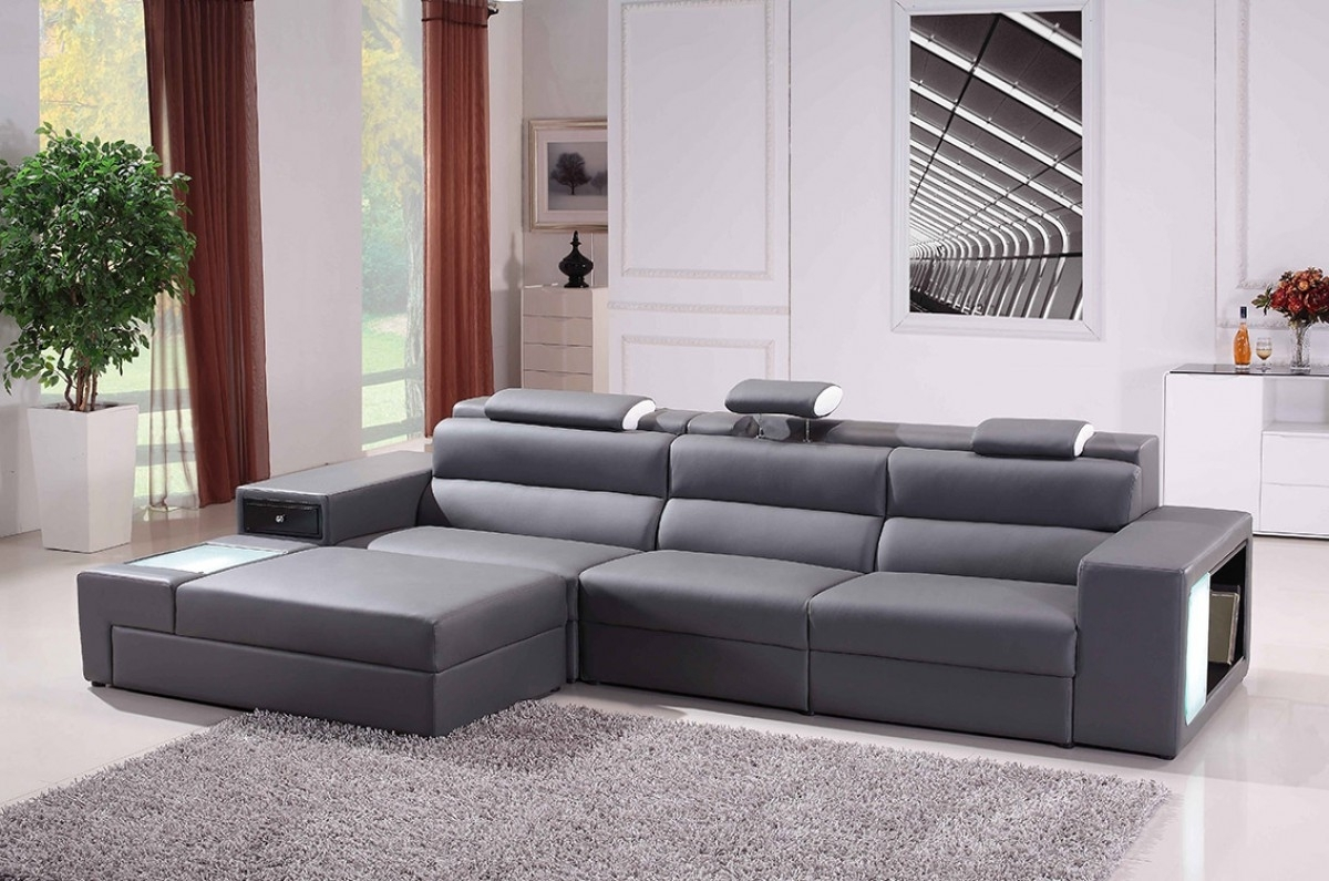High End Leather Sectional Sofas Throughout 2019 Divani Casa Polaris Mini – Contemporary Bonded Leather Sectional Sofa (View 16 of 20)