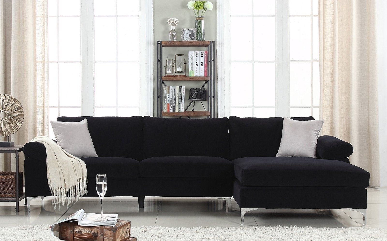 Huge Sectional Sofas (View 9 of 20)