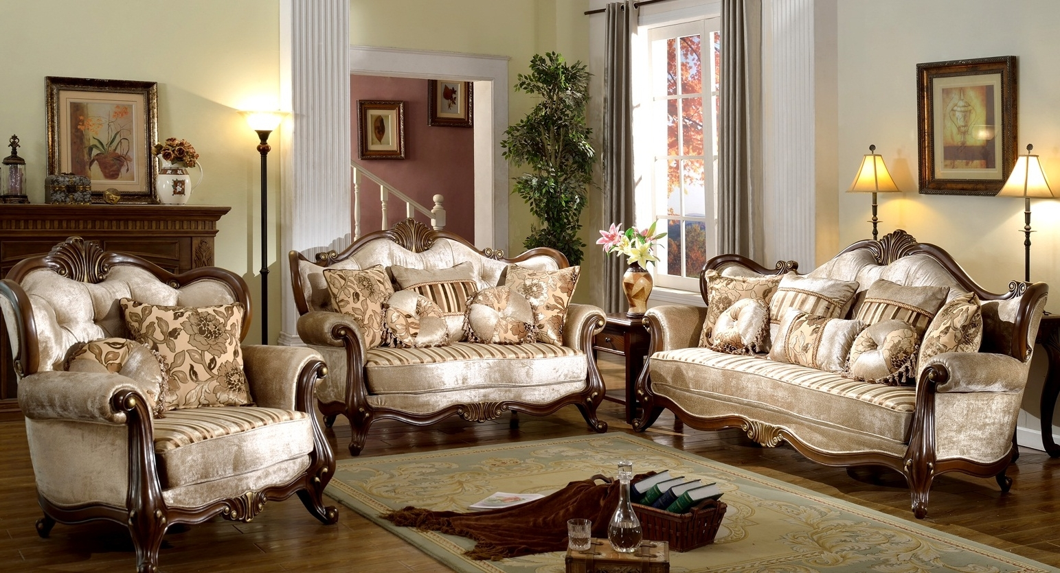 Interesting Victorian Style Living Room Design With Luxury Cream For 2018 Victorian Leather Sofas (View 4 of 20)