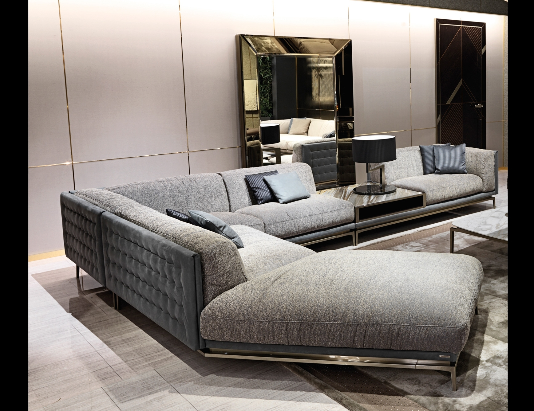 Italian Designer Luxury High End Sofas & Sofa Chairs: Nella Vetrina Regarding Fashionable High End Sectional Sofas (Gallery 14 of 20)