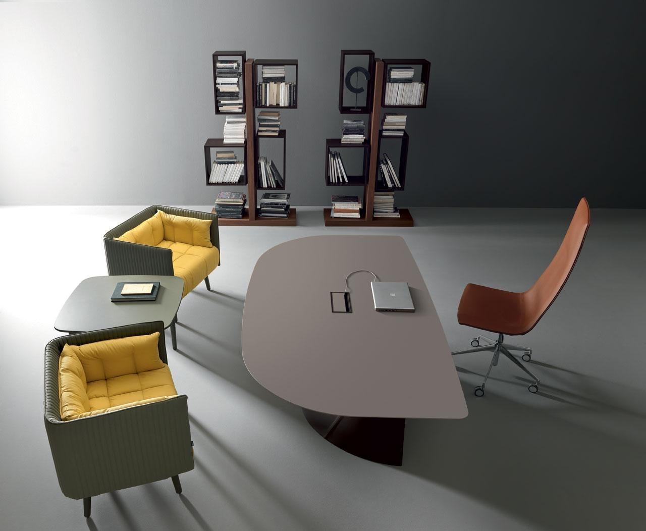 Italian Executive Office Chairs With Most Popular Ola Elegant & Modern Executive Office Desk (View 16 of 20)