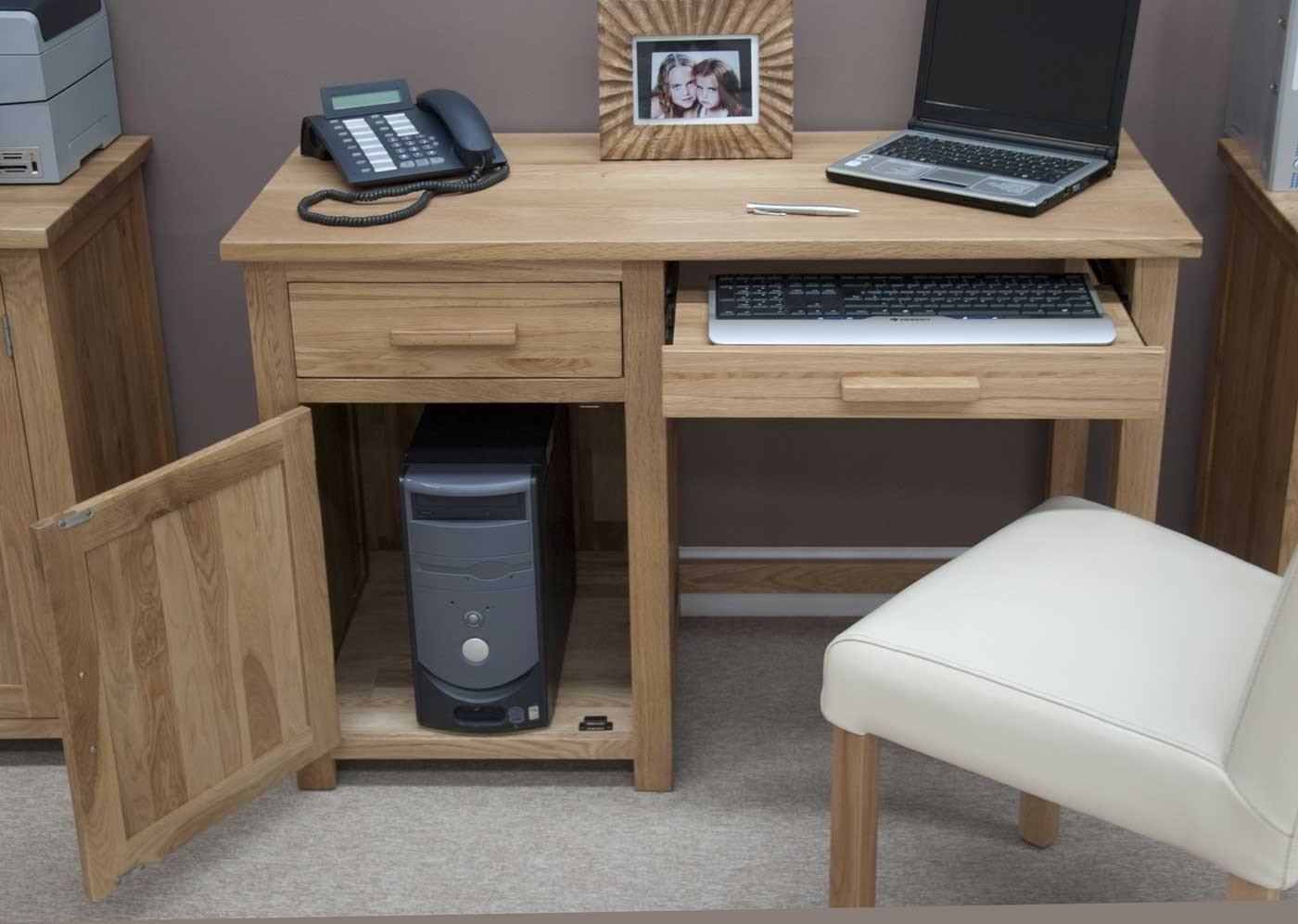 Learn More New Tricks For Small Computer Desk – New Furniture With Regard To Fashionable Computer Desks In Oak (View 12 of 20)