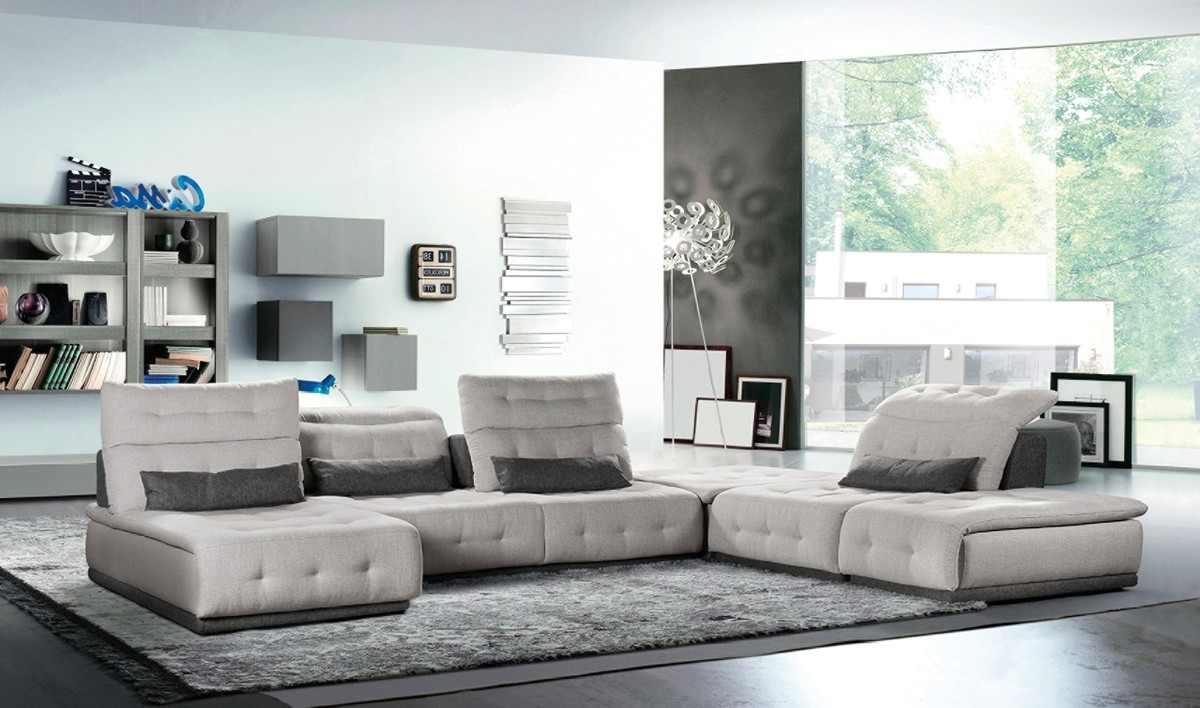Light Grey Sectional Sofas Pertaining To Most Popular Ferrari Daiquiri Italian Modern Light Grey & Dark Grey Fabric (View 12 of 20)