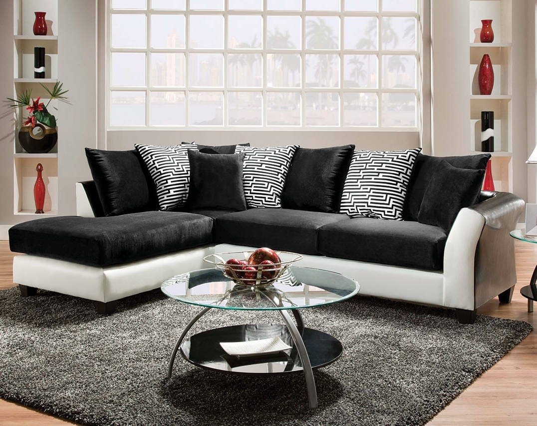 Memphis Tn Sectional Sofas With Regard To Well Known Black And White Couch, Pattern Pillows (View 10 of 20)